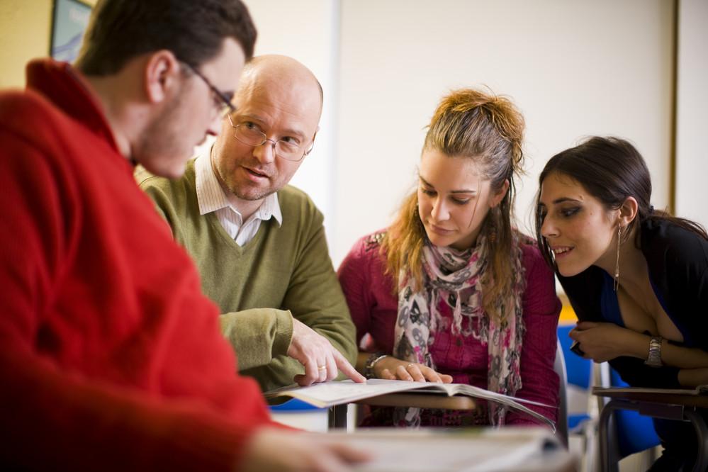 8 ventajas sobre tomar un curso intensivo de inglés